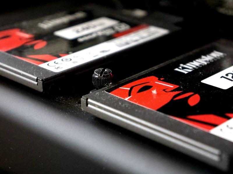 Замена штатного винчестера на SSD накопитель